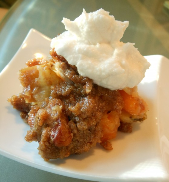 Apple-Pear-and-Dried-Apricot-Crisp-with-Chai-Scented-Streusel-Topping