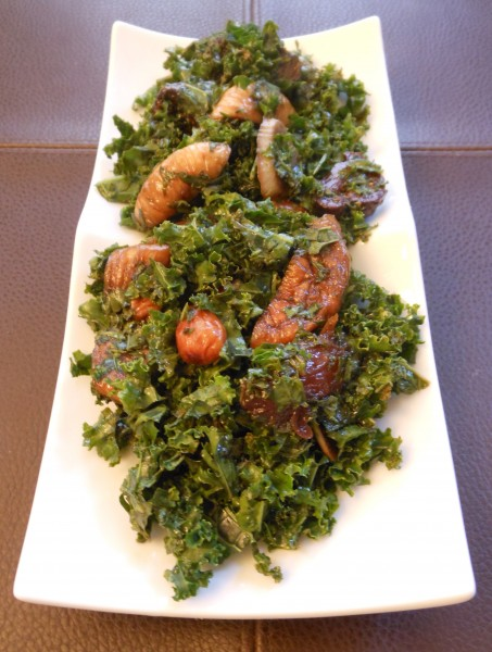 Kale-Salad-with-Pomegranate-Balsamic-Marinated-Figs-and-Dates-Topped-with-Smoked-Almonds1