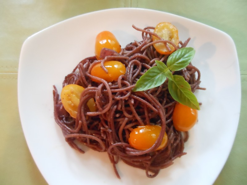 Red Zinfandel Pasta with Golden Grape Tomatoes