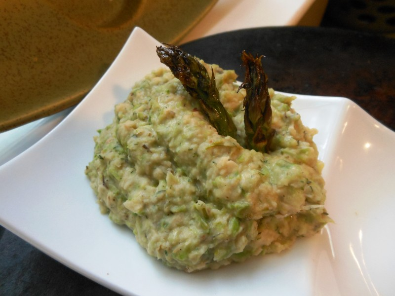 Grilled Asparagus and White Bean Spread