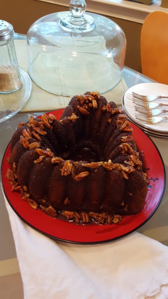 pumpkin-spice-cake-with-salted-pecan-caramel
