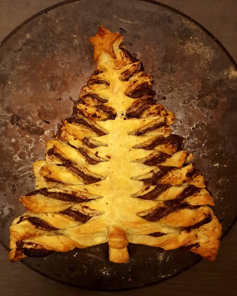 Nutella Christmas Tree.Vegan Nutella And Puff Pastry Christmas Tree Vegan Recipes